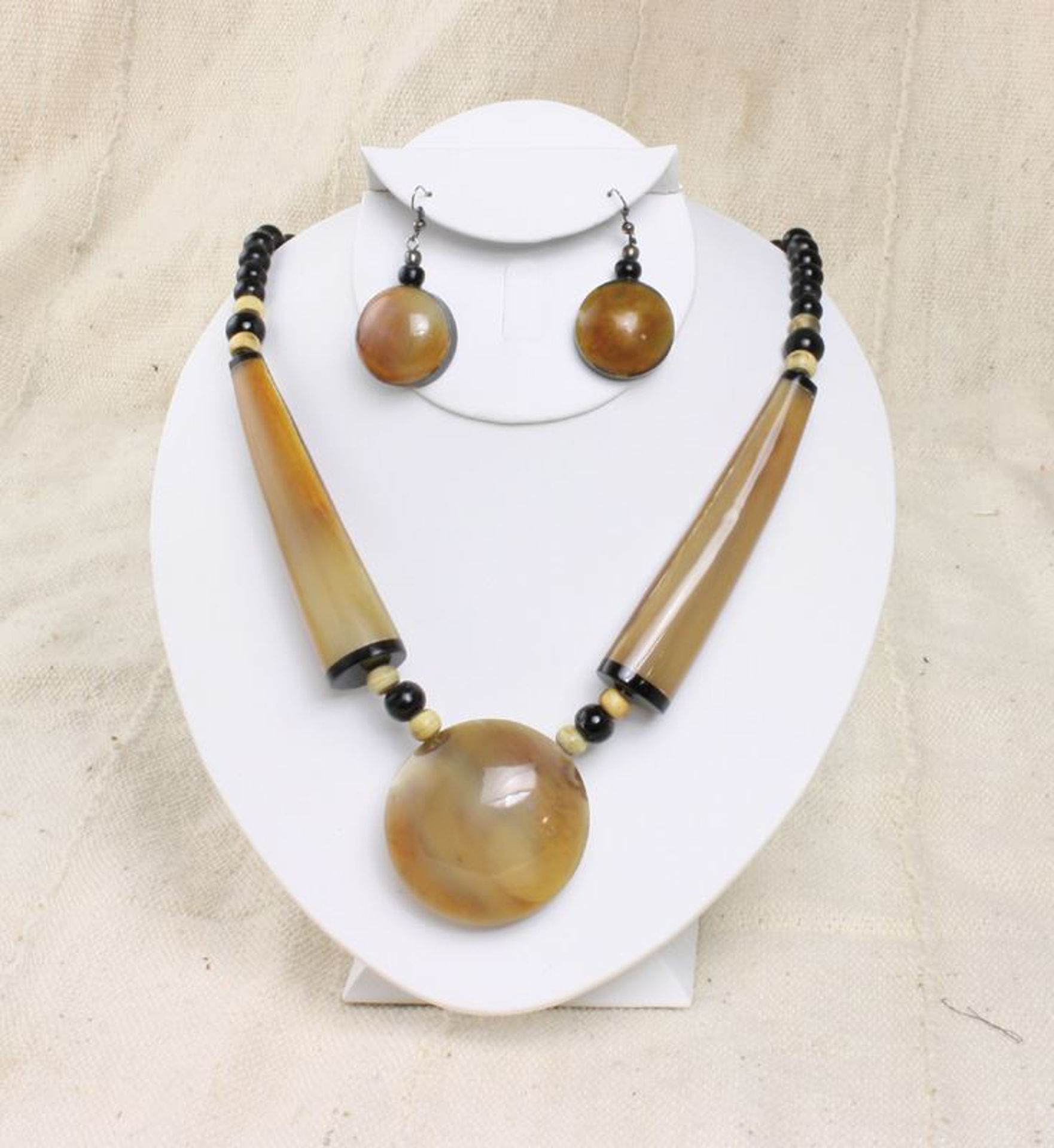 Picture of Massive Bone Pendant Beaded Necklace Set