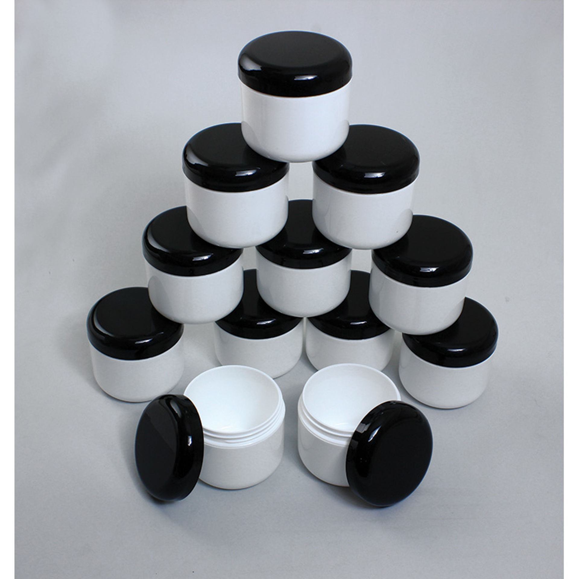 Picture of Set Of 12 Plastic Double Wall Jars - 4oz