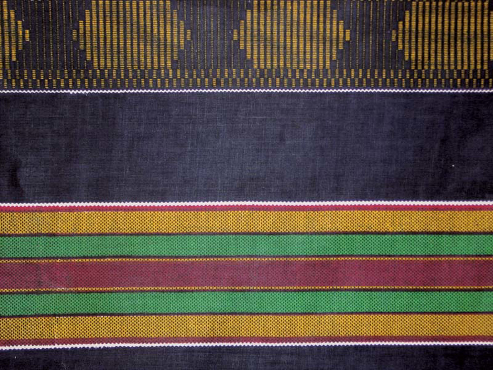 Picture of African-Made Kente Fabric #4 BLACK 12 Yd