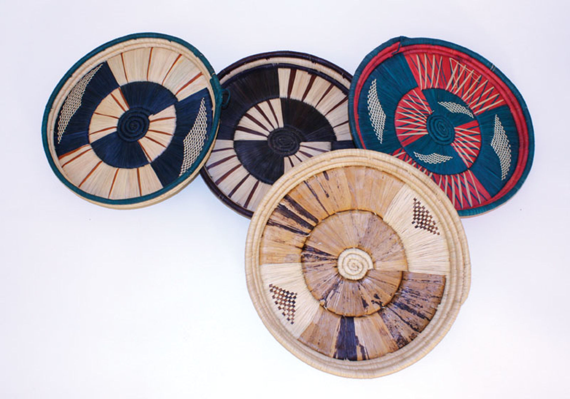 """Picture of Tanzania Serving Tray - 10-12"""""""