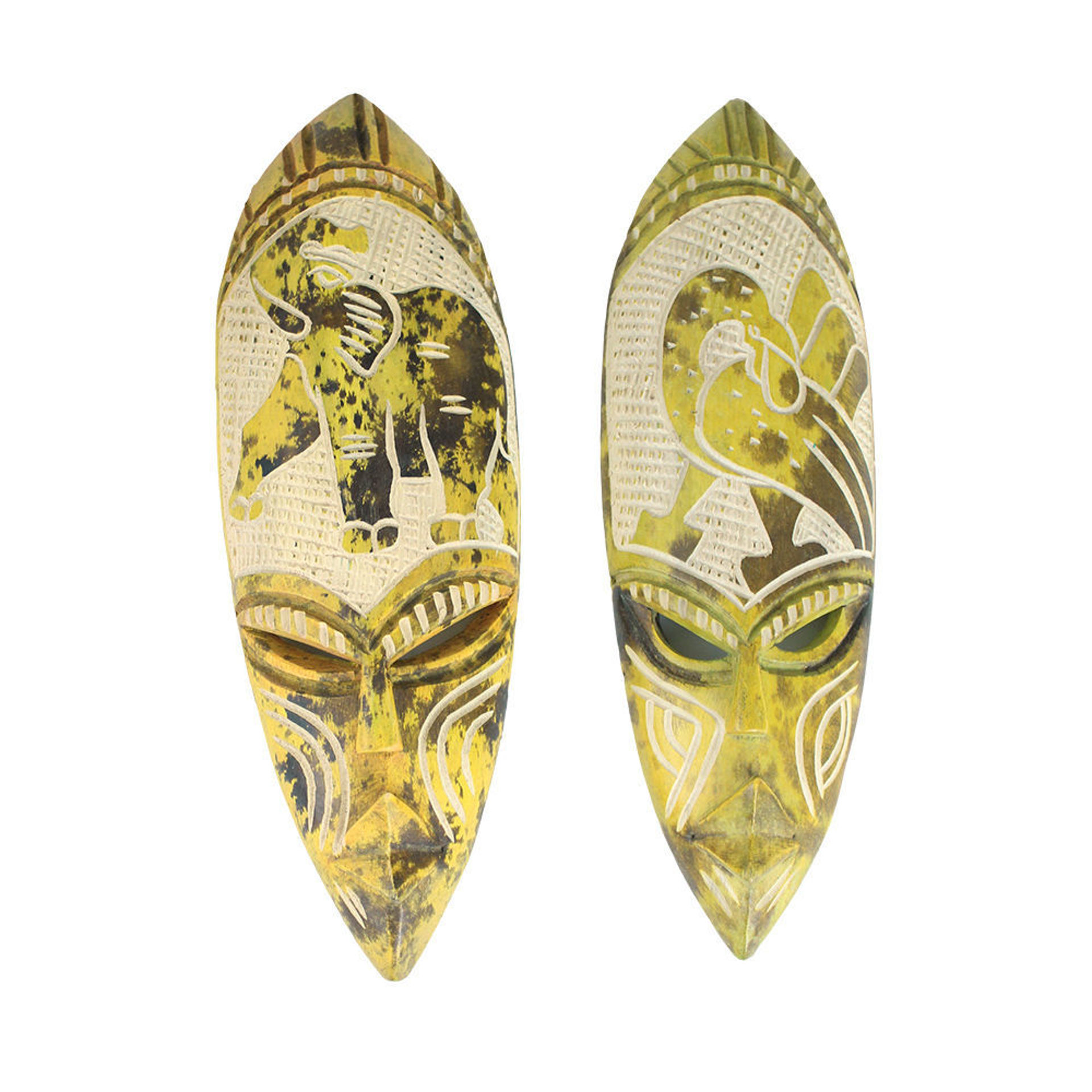 Picture of Small Ghana Fang Mask - Symbol Yellow
